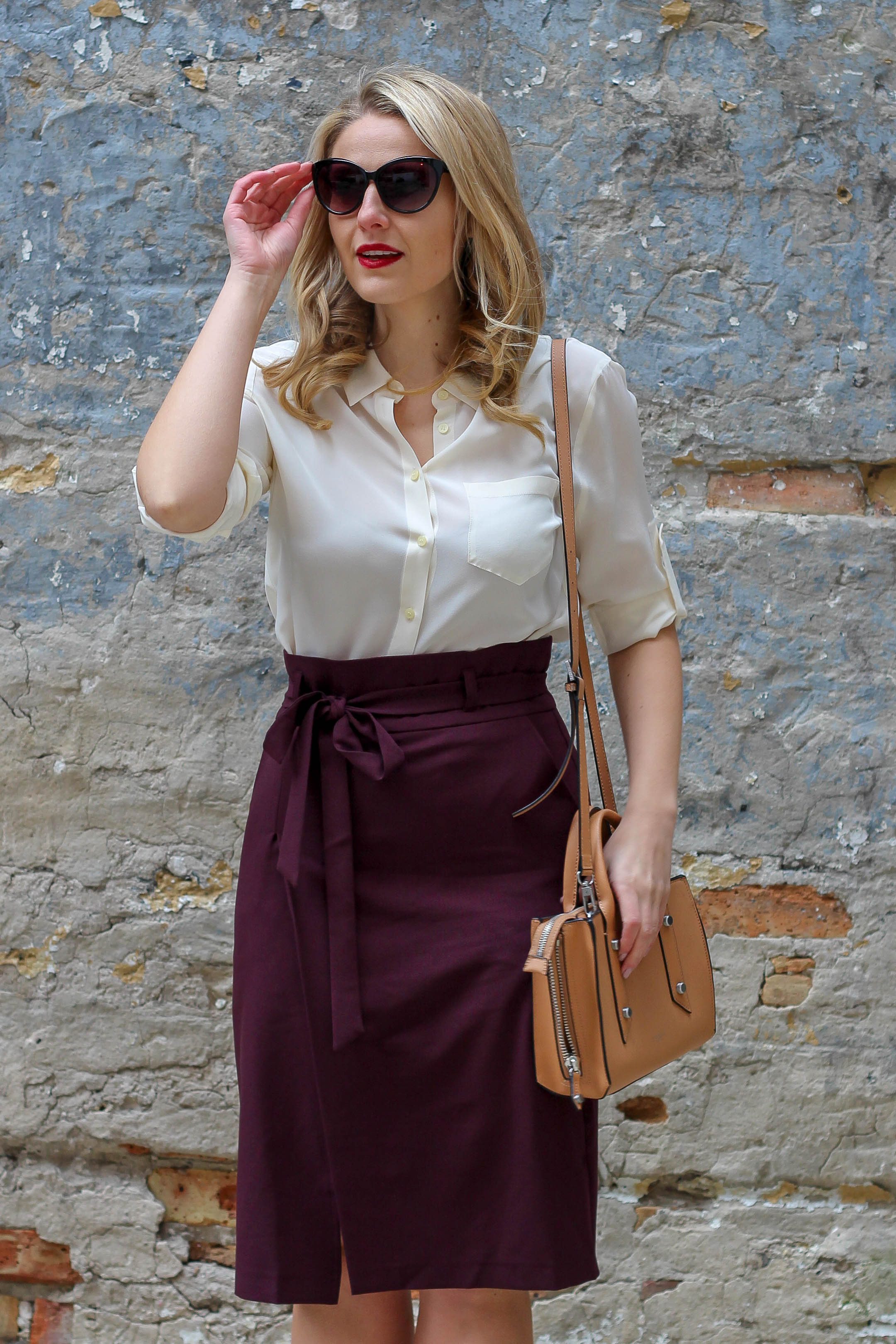 How to style a paperbag pencil skirt this fall for the corporate office
