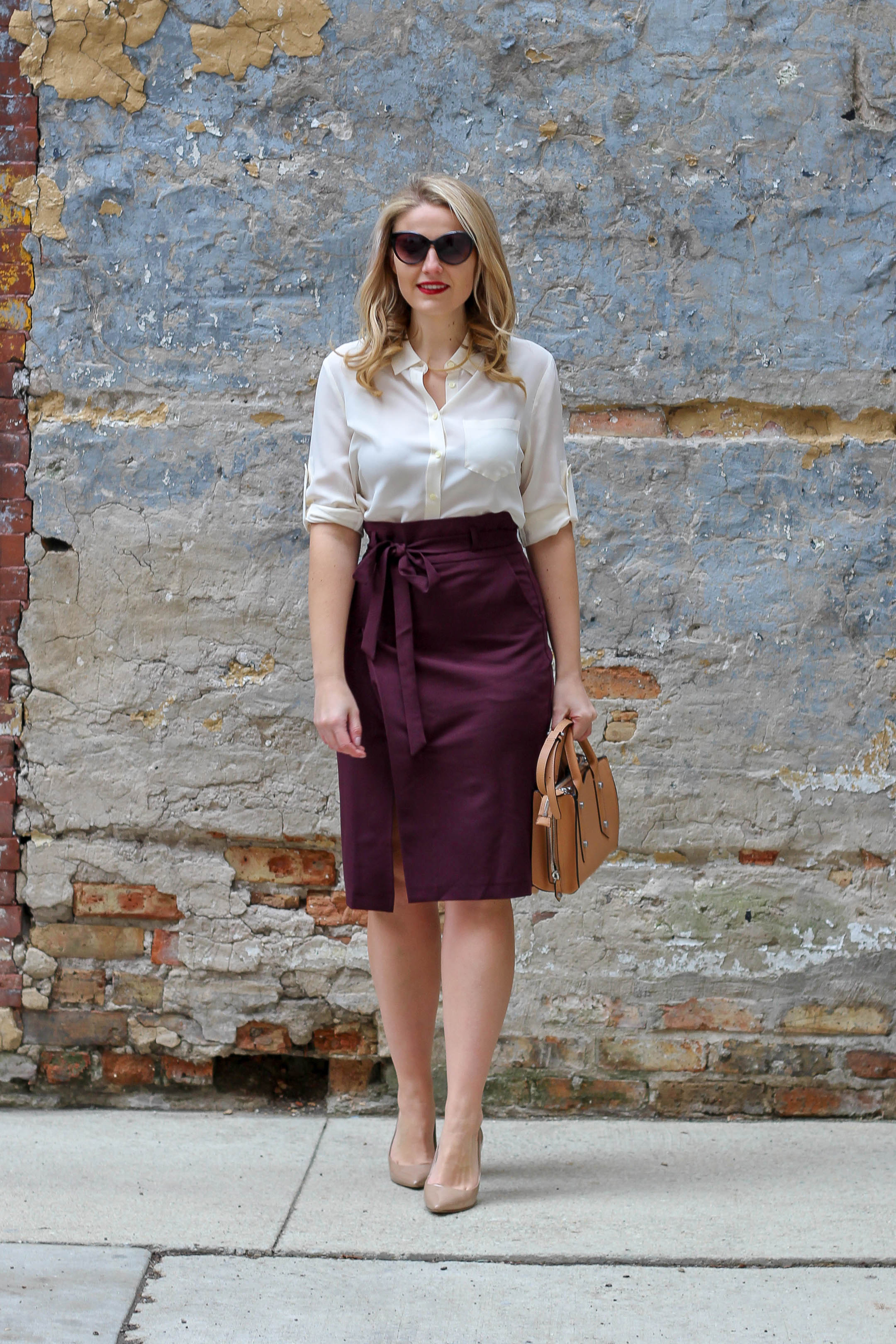 A simple and easy work outfit for this spring wearing this paperbag pencil skirt