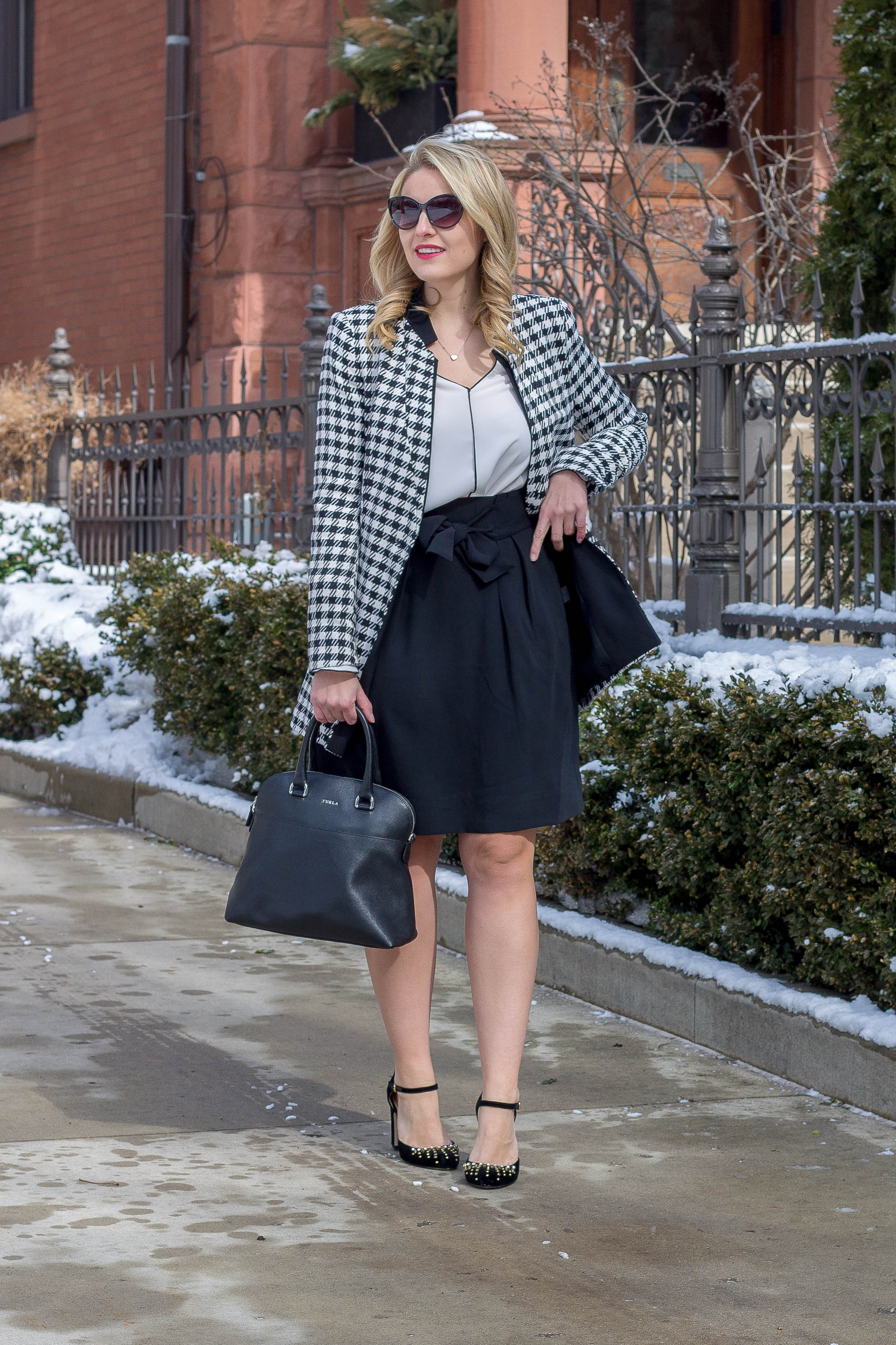 How to wear a houndstooth coat this winter season