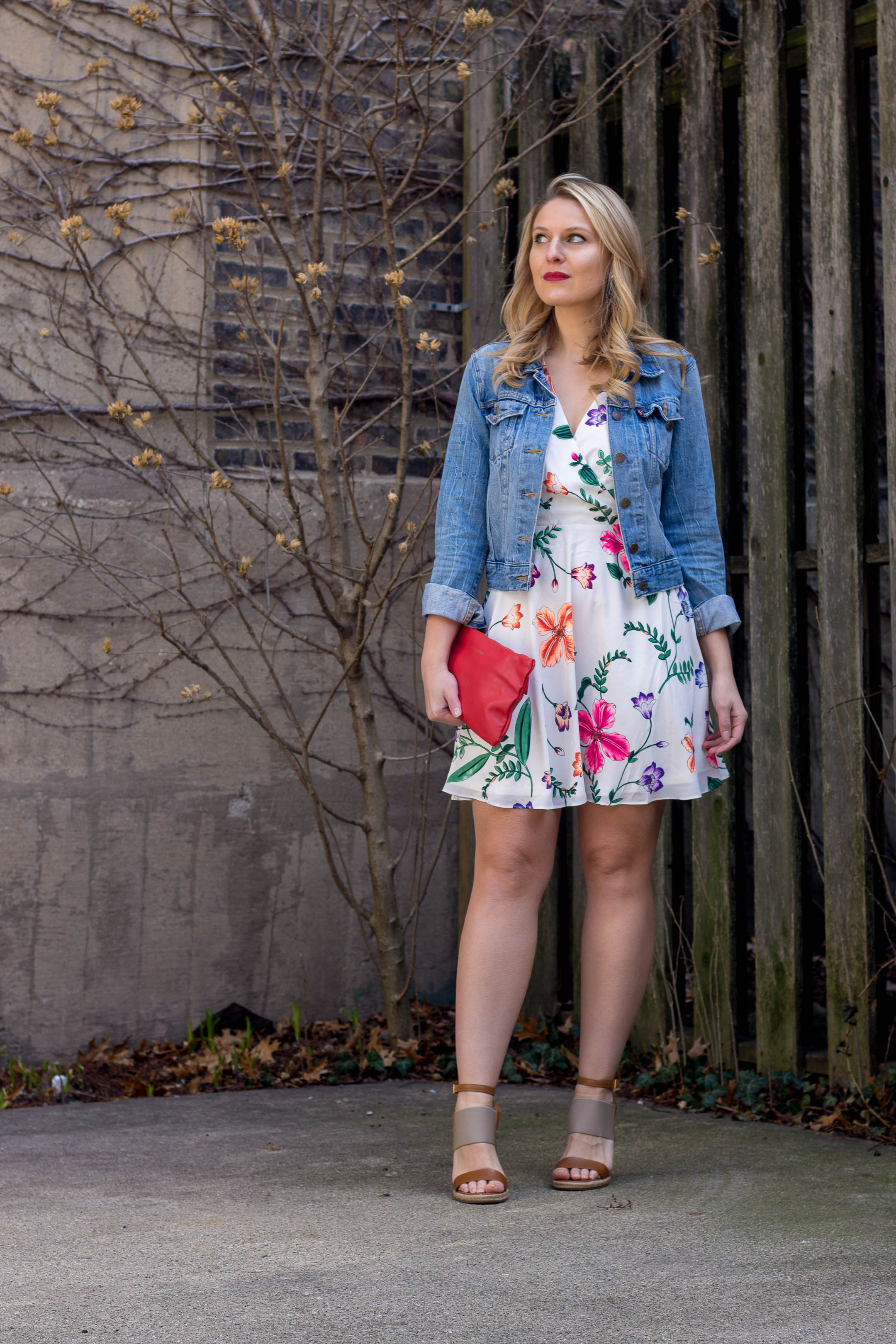How to keep your vacation style simple with a floral dress and jean jacket